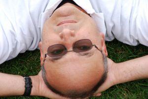 Continuar llevando gafas o someterse a una intervención
